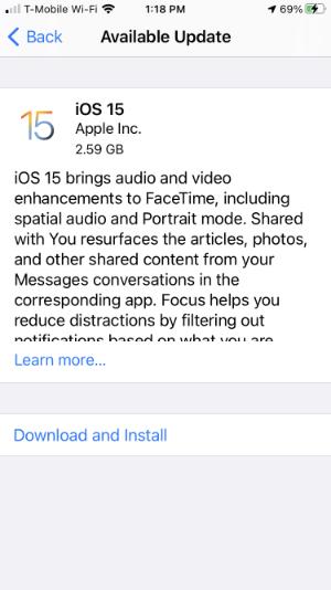 iOS 15 Update Screen